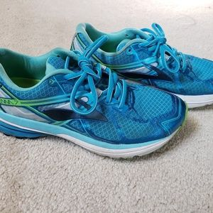 Women's Brooks Ravena 7 running shoes